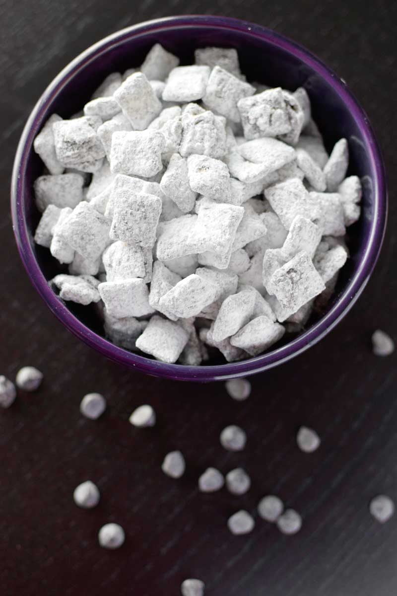 How to make classic puppy chow (muddy buddies).