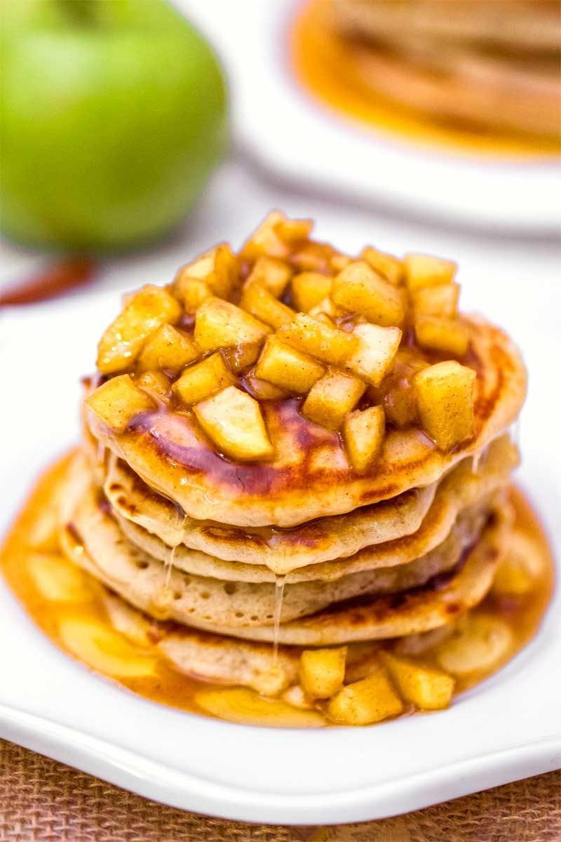 Apple Cinnamon Pancakes - Sweet