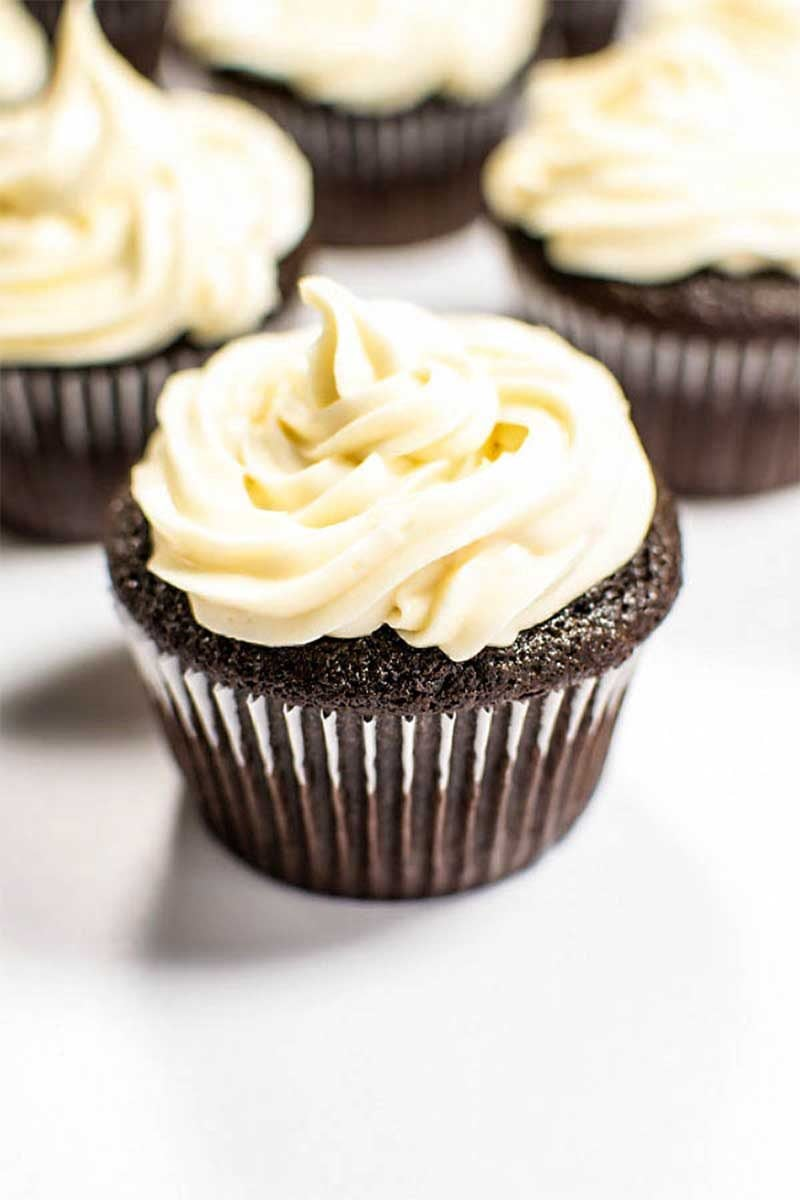 Chocolate Guinness Cupcakes with Baileys Frosting - Homemade Hooplah
