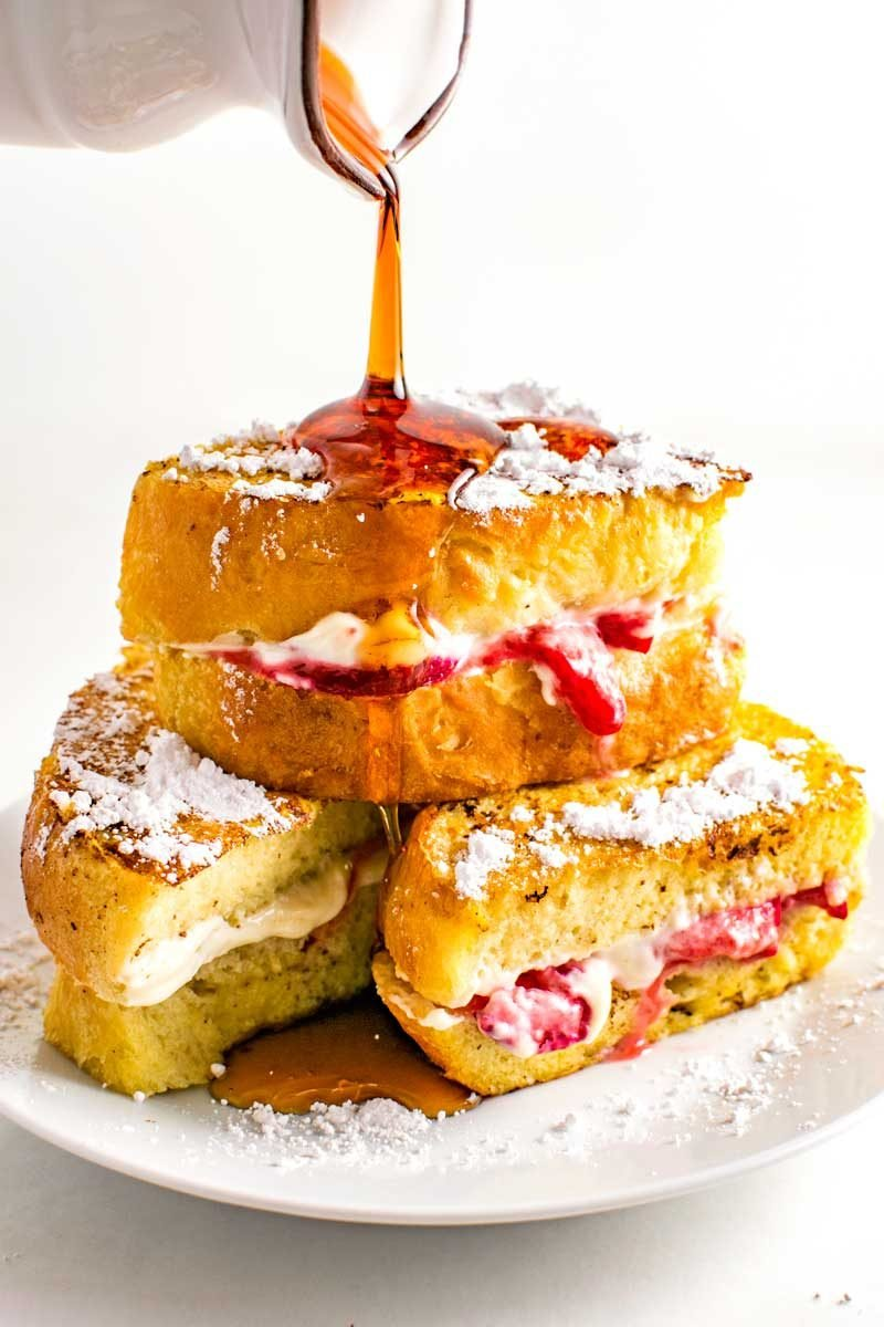 How to make french toast stuffed with cream cheese and strawberries.