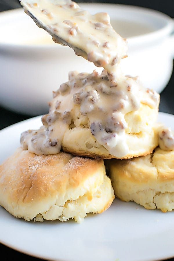 Homestyle Sausage Gravy! Get your comfort food fix this base recipe for classic sausage gravy. Perfect for a lazy morning and ready in less than 30 minutes! | HomemadeHooplah.com