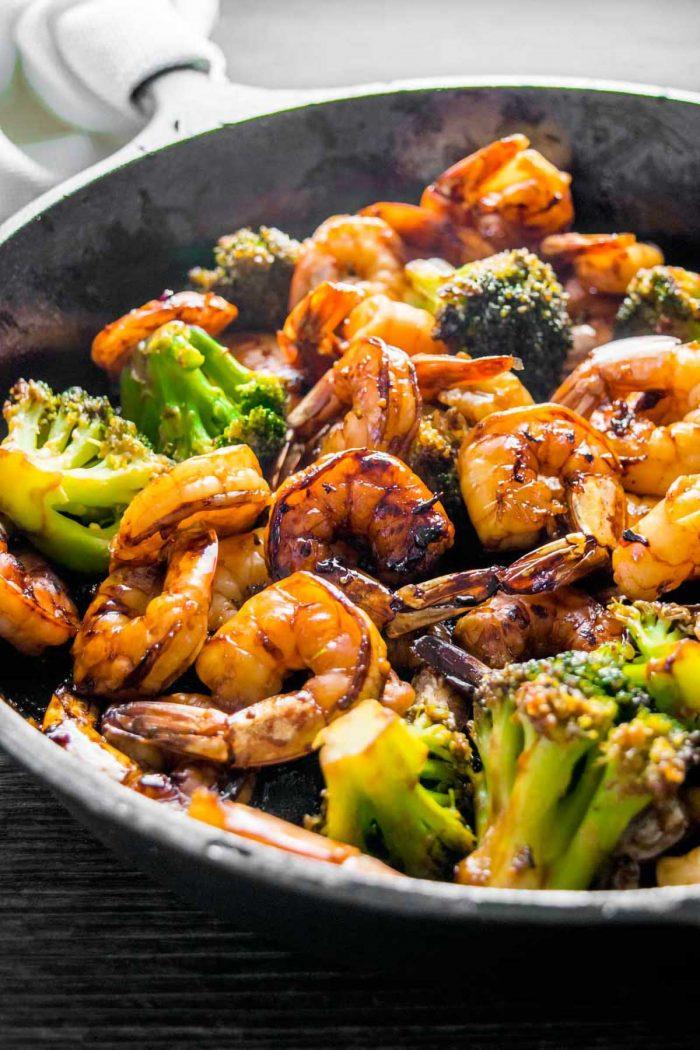 Easy homemade shrimp and broccoli seasoned with honey garlic.