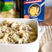 10 Minute Chicken Cordon Bleu Pasta! Whip up a complete dinner of chicken cordon bleu pasta in 10 minutes with Barilla's Pronto Pasta and Tyson's Fully Cooked Chicken Breast Strips! #ad #EverydayEffortless | HomemadeHooplah.com