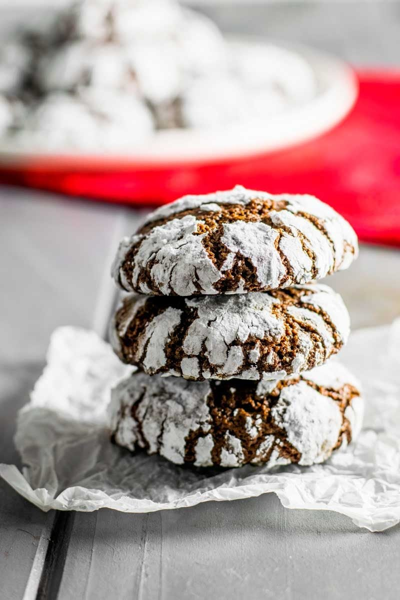 Easy chocolate crinkle cookies using cocoa powder.