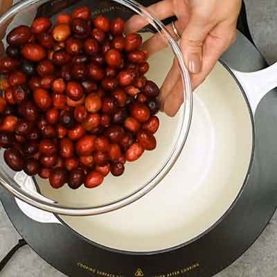 Cranberry Sauce Step 1- Add cranberries.