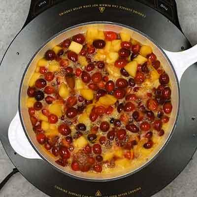Cranberry Sauce Step 3 - Cook sauce.