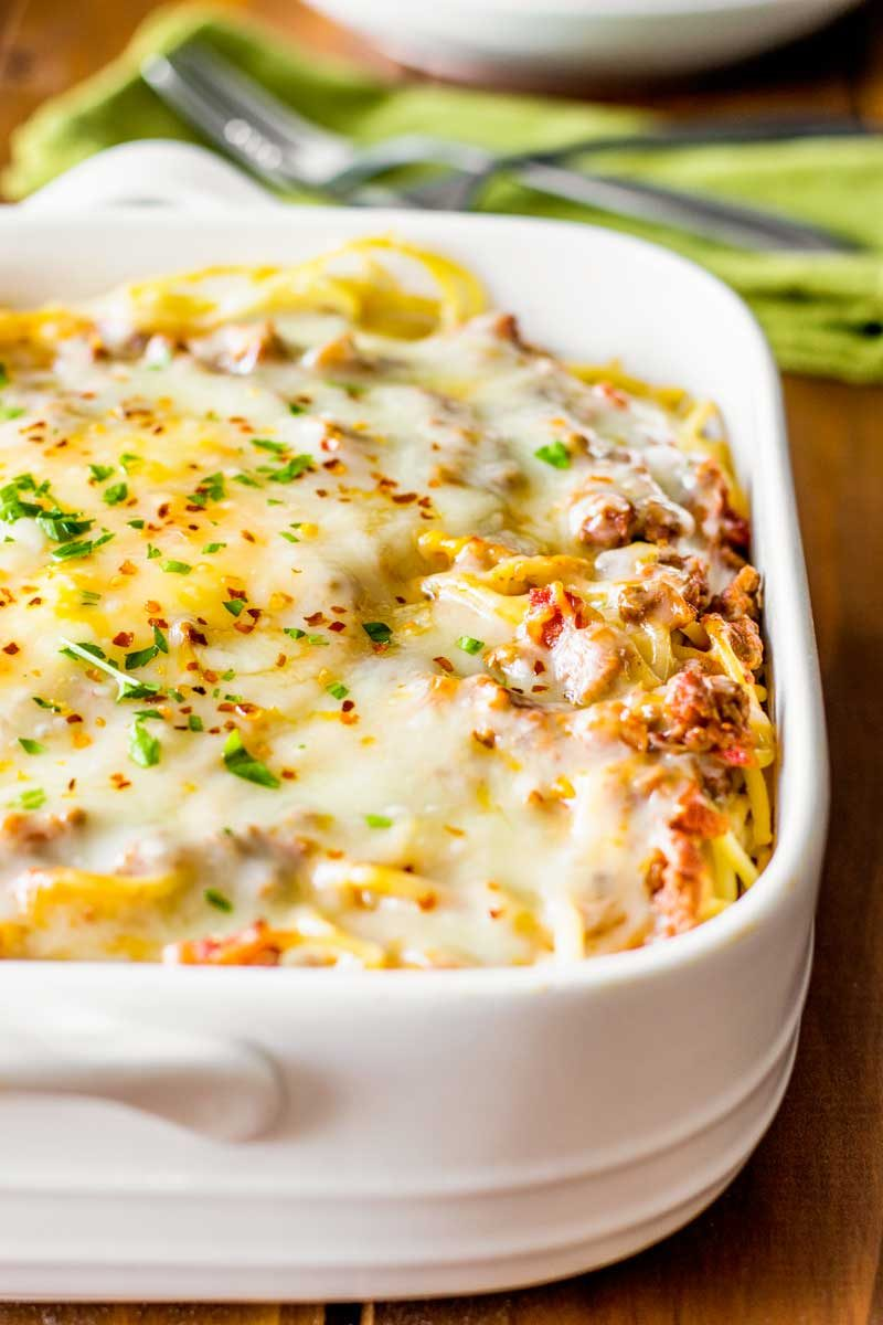 baked spaghetti casserole with ground beef