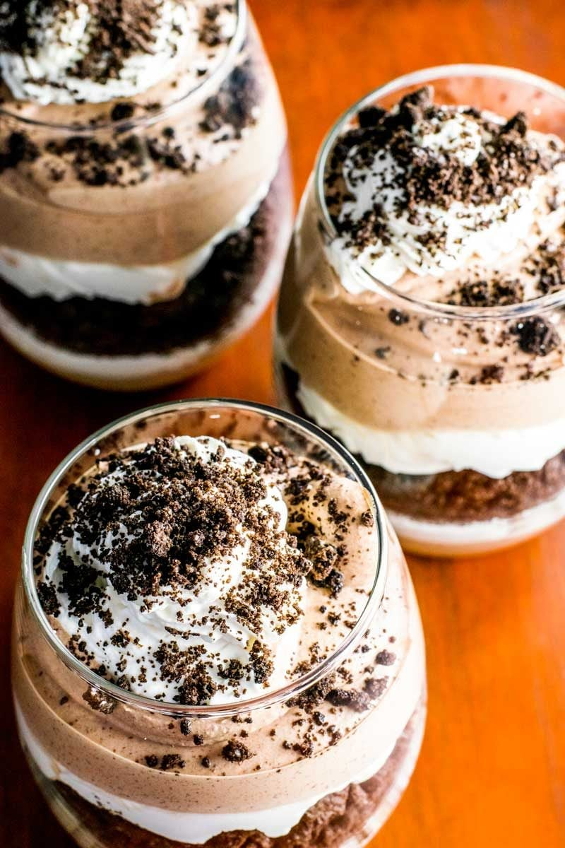 A cookies and cream parfait for Baileys dessert recipes.