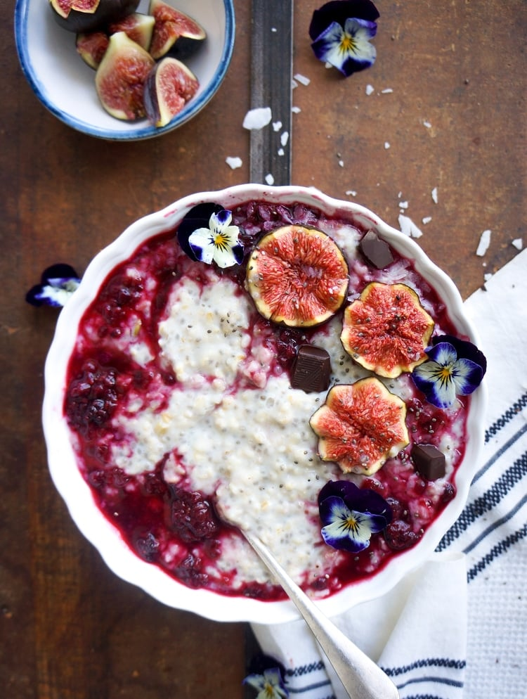 Chia Oats with Blackberries and Figs