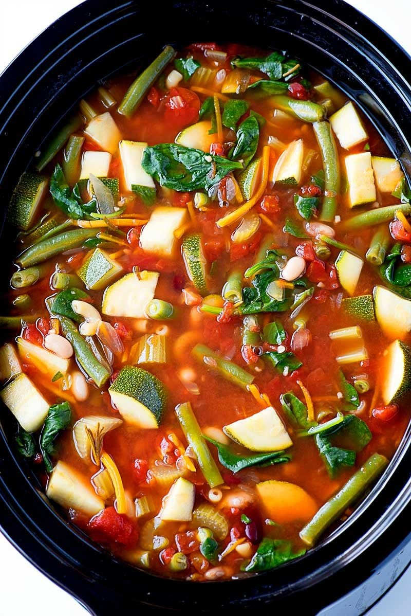 Crock Pot Minestrone Soup! An easy to make and hearty meatless soup ...