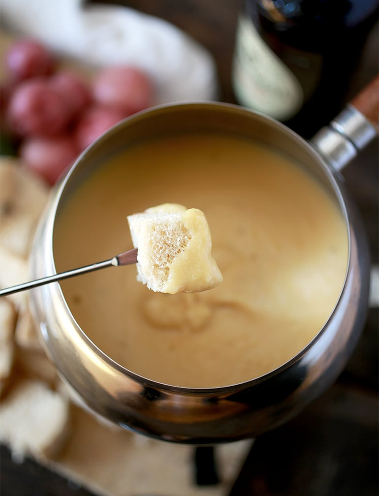 Irish Beer Cheese Fondue