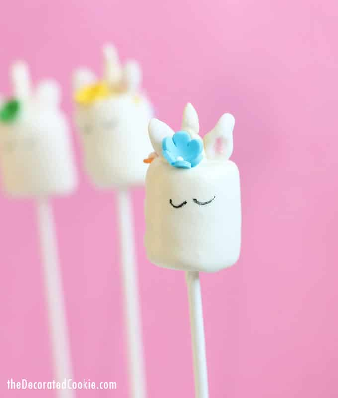 Unicorn Marshmallow Pops