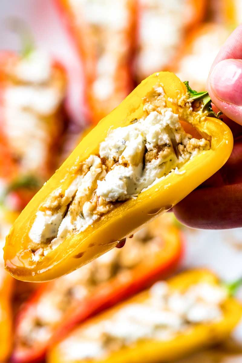 How to bake peppers stuffed with goat cheese.