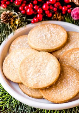 How to make spice cookies for Christmas