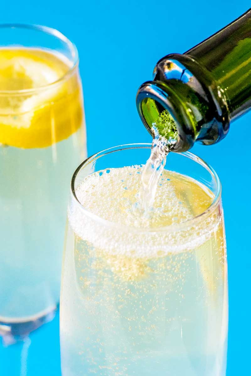 A French 75 with gin, champagne, and lemon