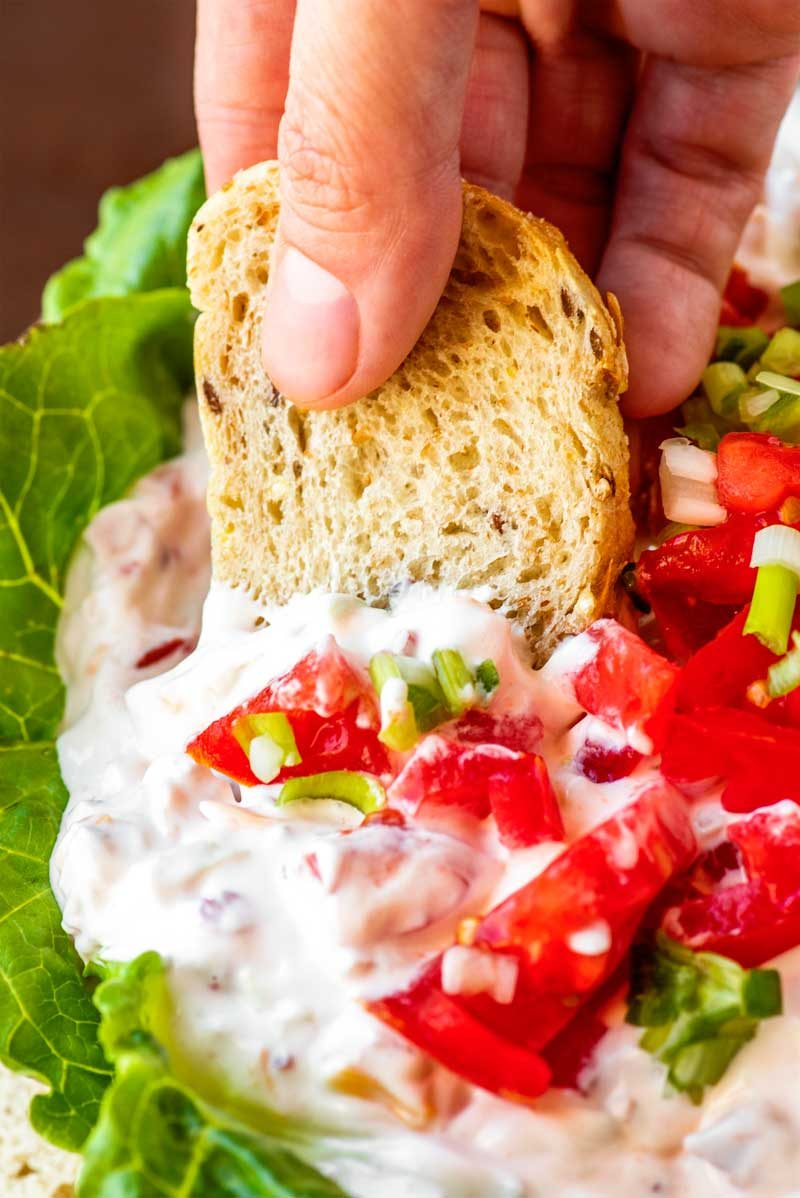 How to make chilled BLT dip with cheese.