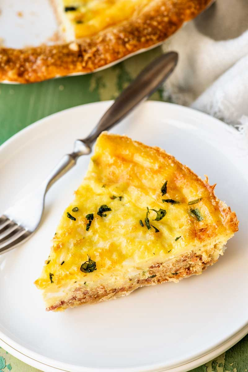 An easy quiche Lorraine recipe that uses pie curst.