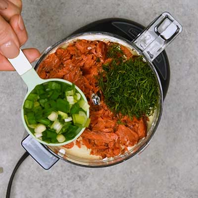 Smoked Salmon Dip Step 2 - Add green onion.