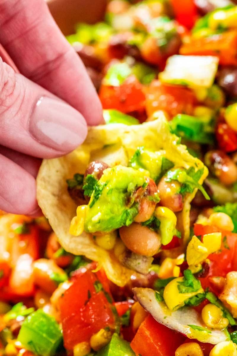 An easy recipe for cowboy caviar with avocado.
