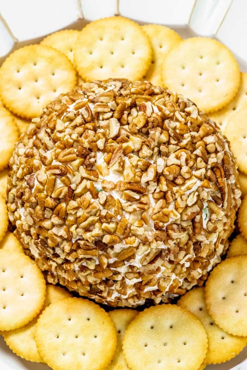 How to make a pineapple pecan cheese ball for parties.
