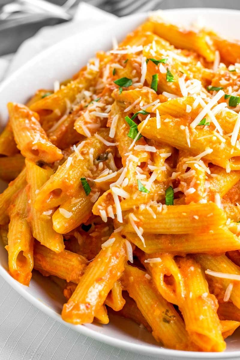 How to make homemade vodka sauce with pasta.