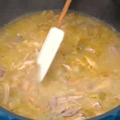 White Chicken Chili Step 4 - Stir and cook.
