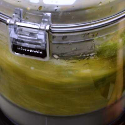 Salsa Verde Step 3 - Blend salsa.