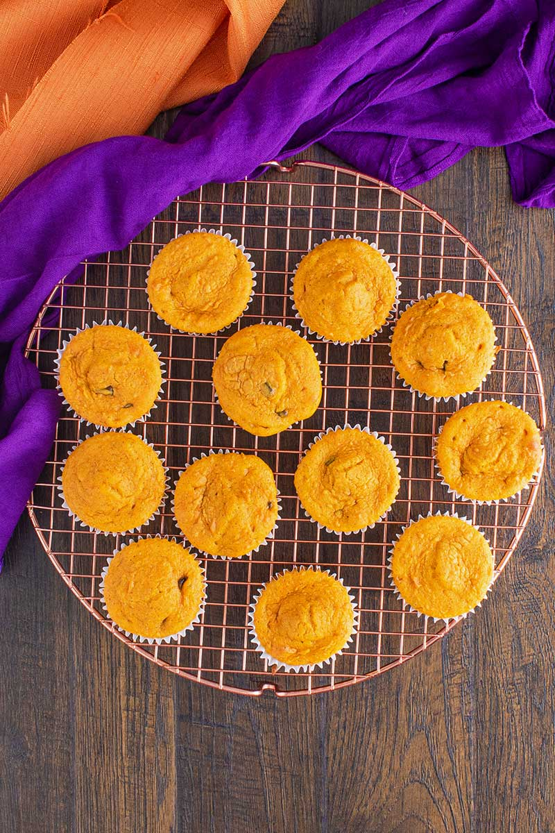 pumpkin cupcakes with cake mix