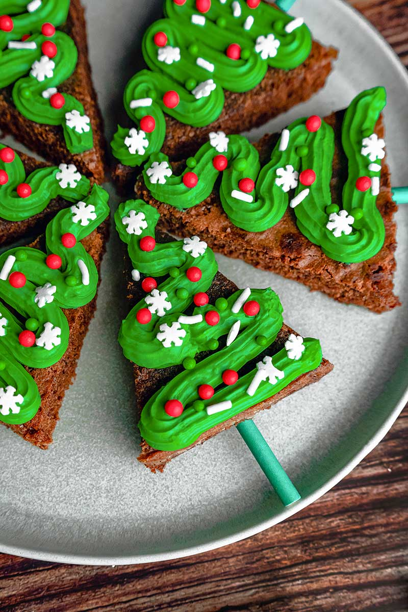 How to make Christmas tree brownies for the holidays