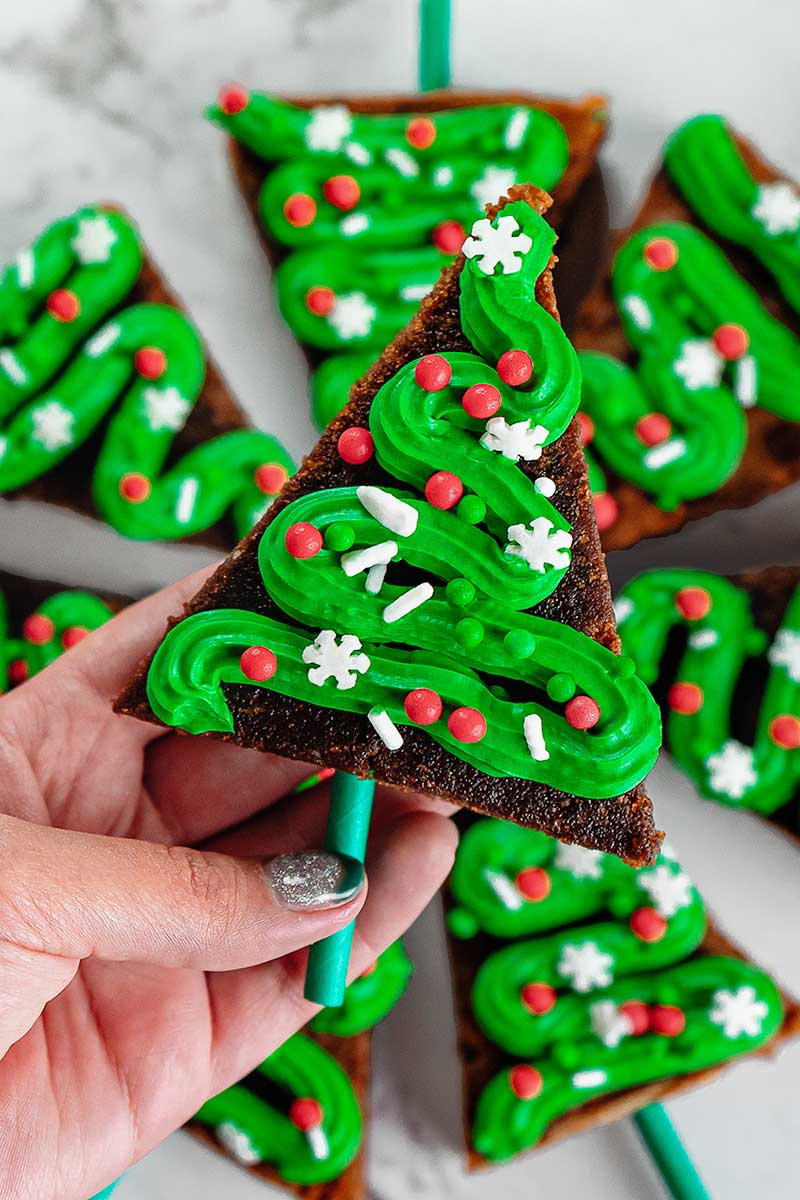 Simple recipe for Christmas tree brownies