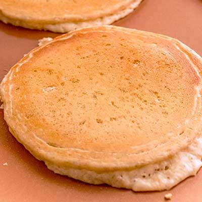 Peanut Butter Pancakes Step 7 - Flip pancakes once bottom turns golden brown.