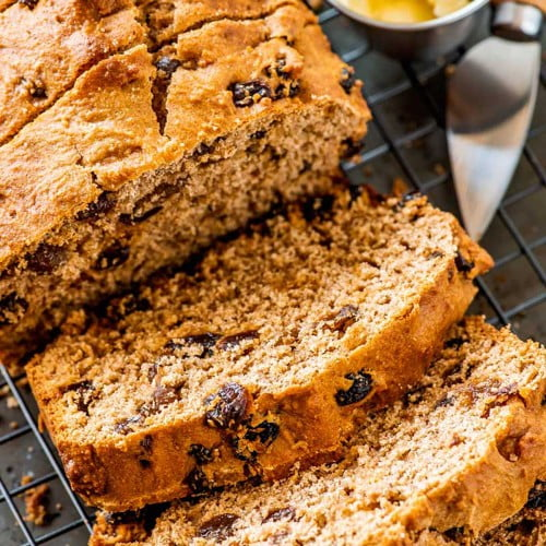 Sliced Boston brown bread with raisins.
